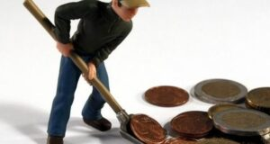 muncitori-lopata-bani