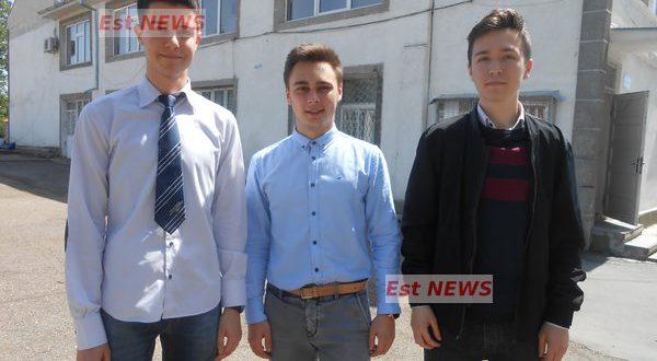 """Subiecte Simulare Clasa A 7a Romana 2019 News: Trei Elevi Ai Colegiului """"Codreanu"""" Au Dat Clasă Celor Mai"""