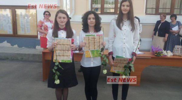 Subiecte Simulare Clasa A 7a Romana 2019 News: Elevi Bârlădeni Cu Care Se Mândresc Dascălii Lor